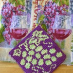Grape Vine Pot Holder